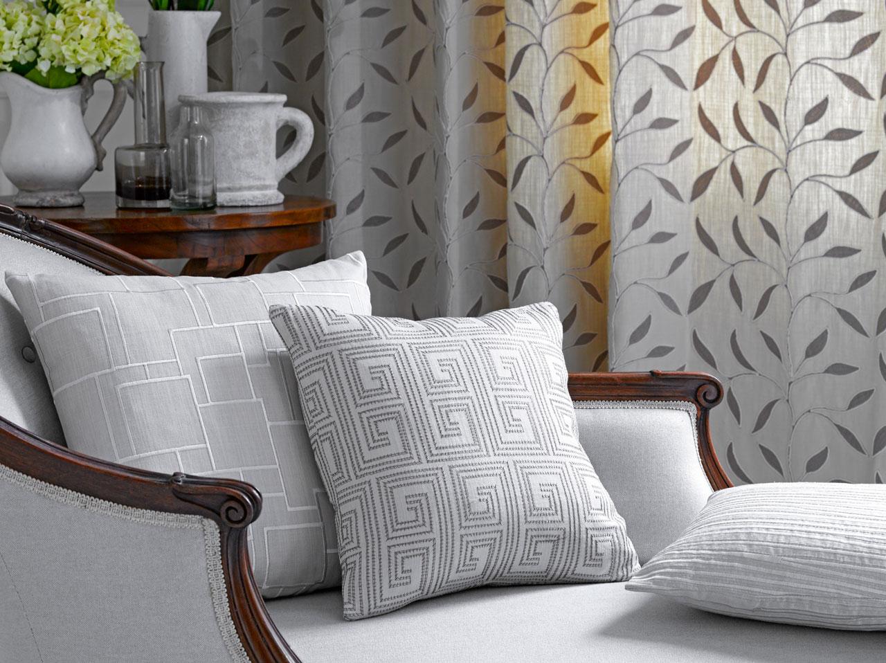 alberto bargna rappresentanze christian fischbacher. Black Bedroom Furniture Sets. Home Design Ideas